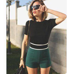 ICONE GREEN Pleated Shorts Sz Large